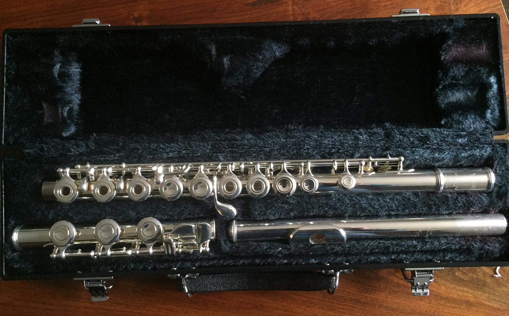 Jaclyn duncan music yamaha 381 flute for Yamaha flute 222